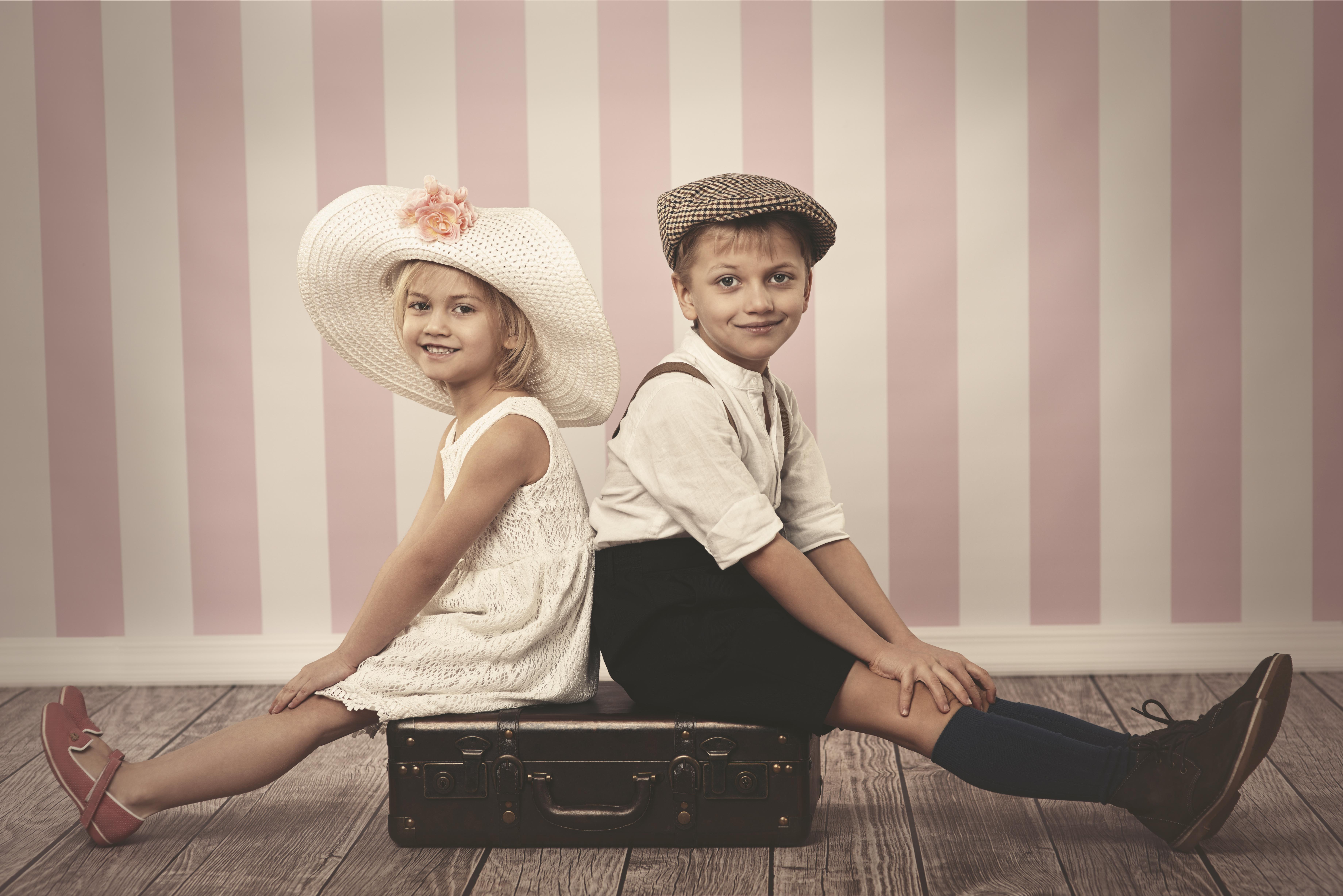 Картинки с девочками и маличиками