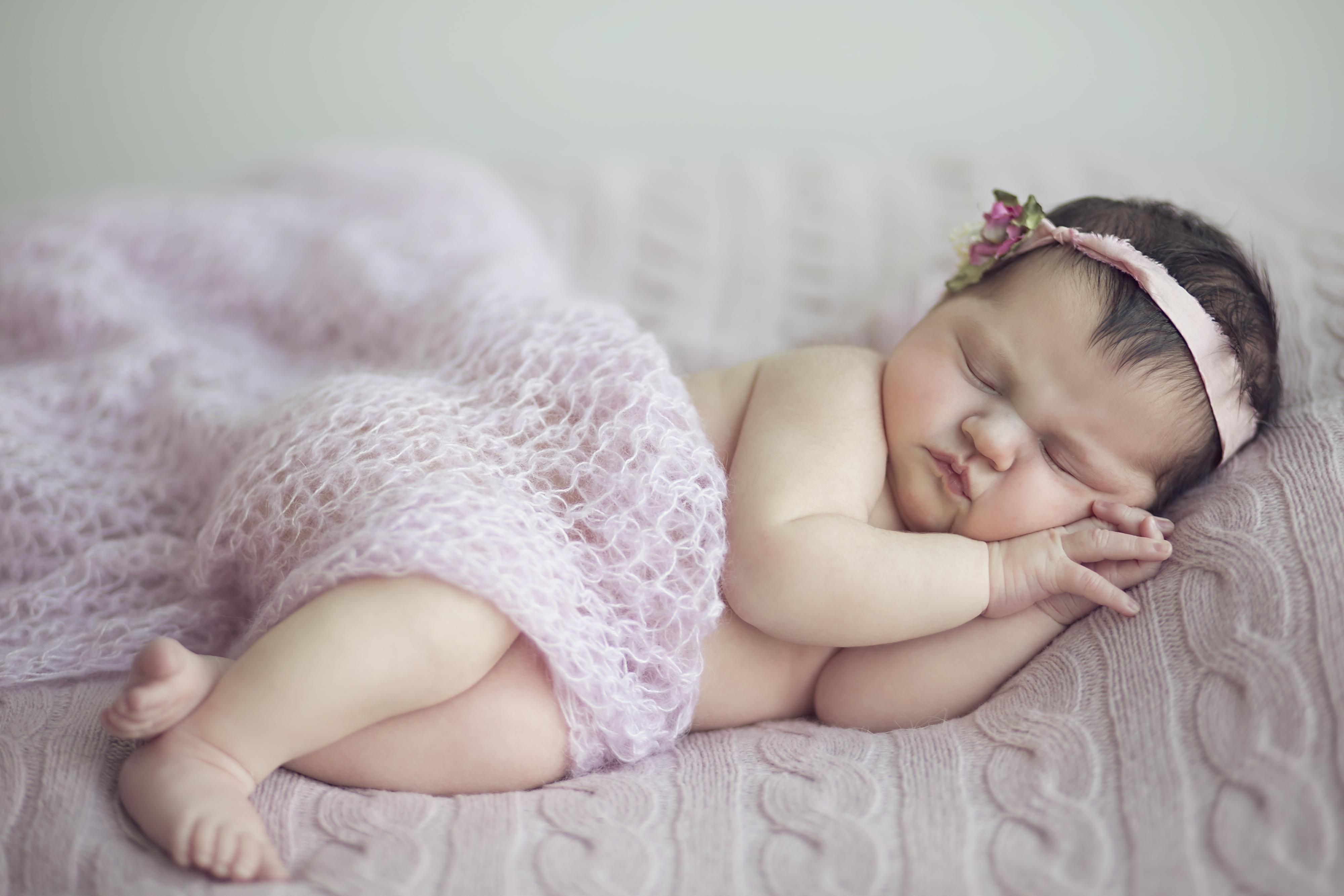 Малышка с длинными волосами – ждите непредвиденную дорогу (путешествие).