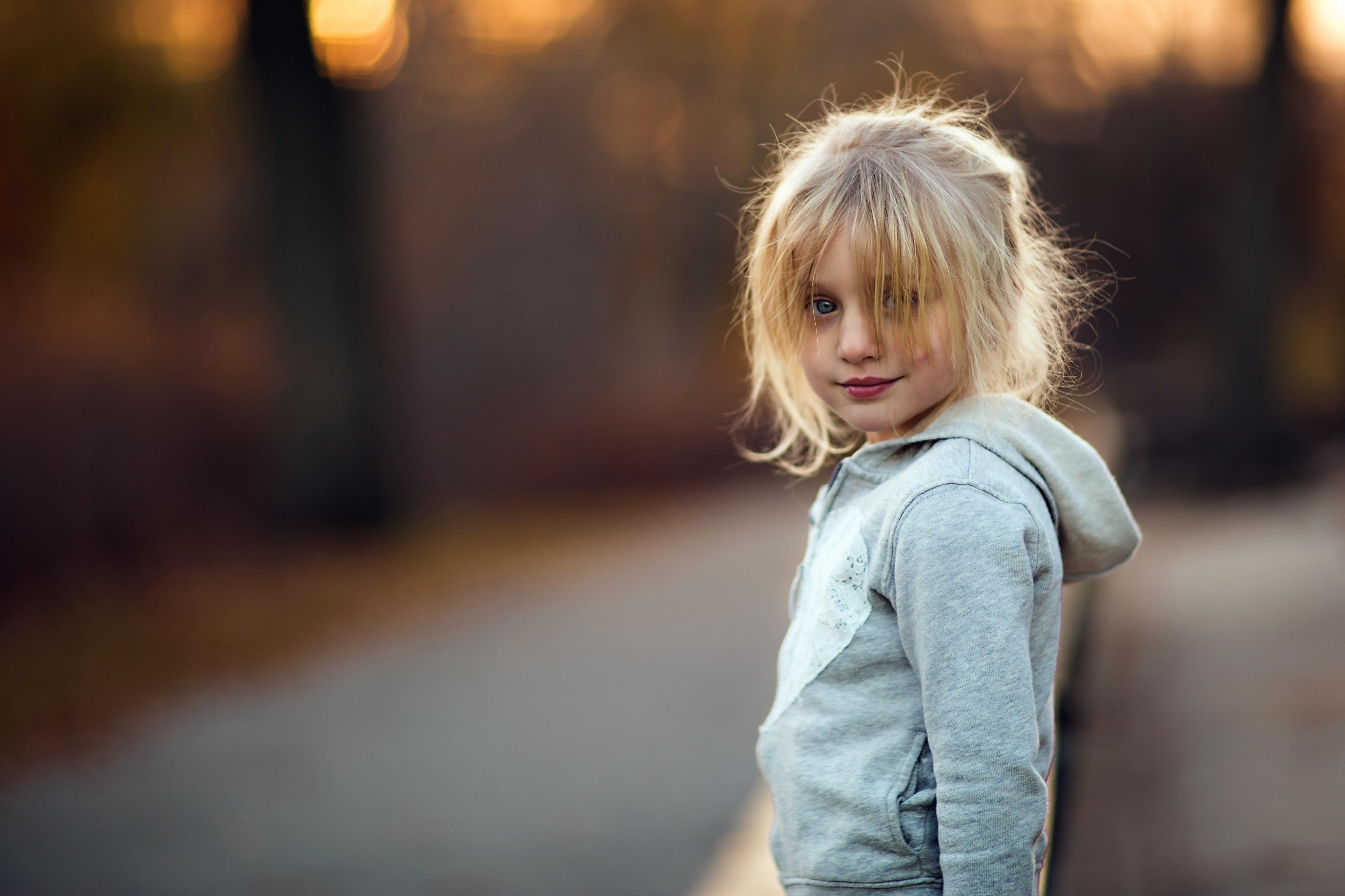 cute-blonde-girl-havin-sex-photo-shoot