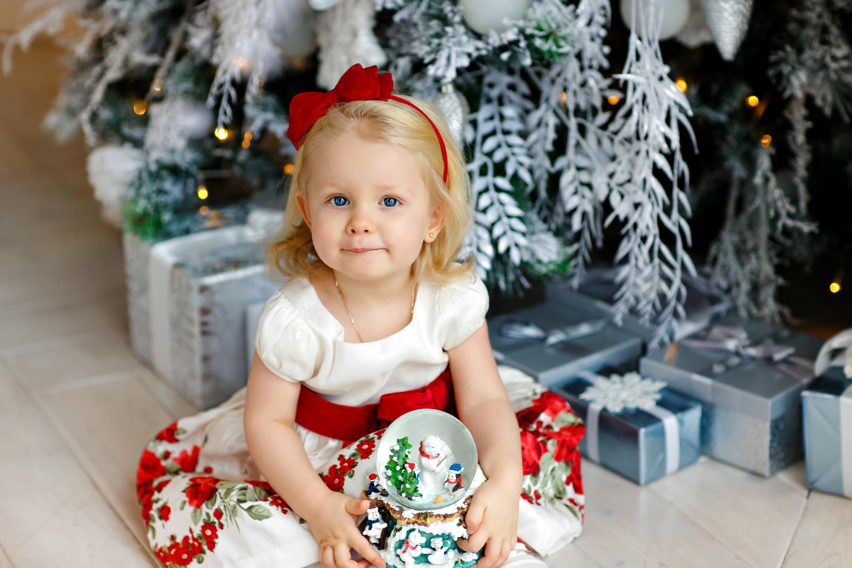 От сладостей до гаджетов: самые желанные детские подарки к Новому году