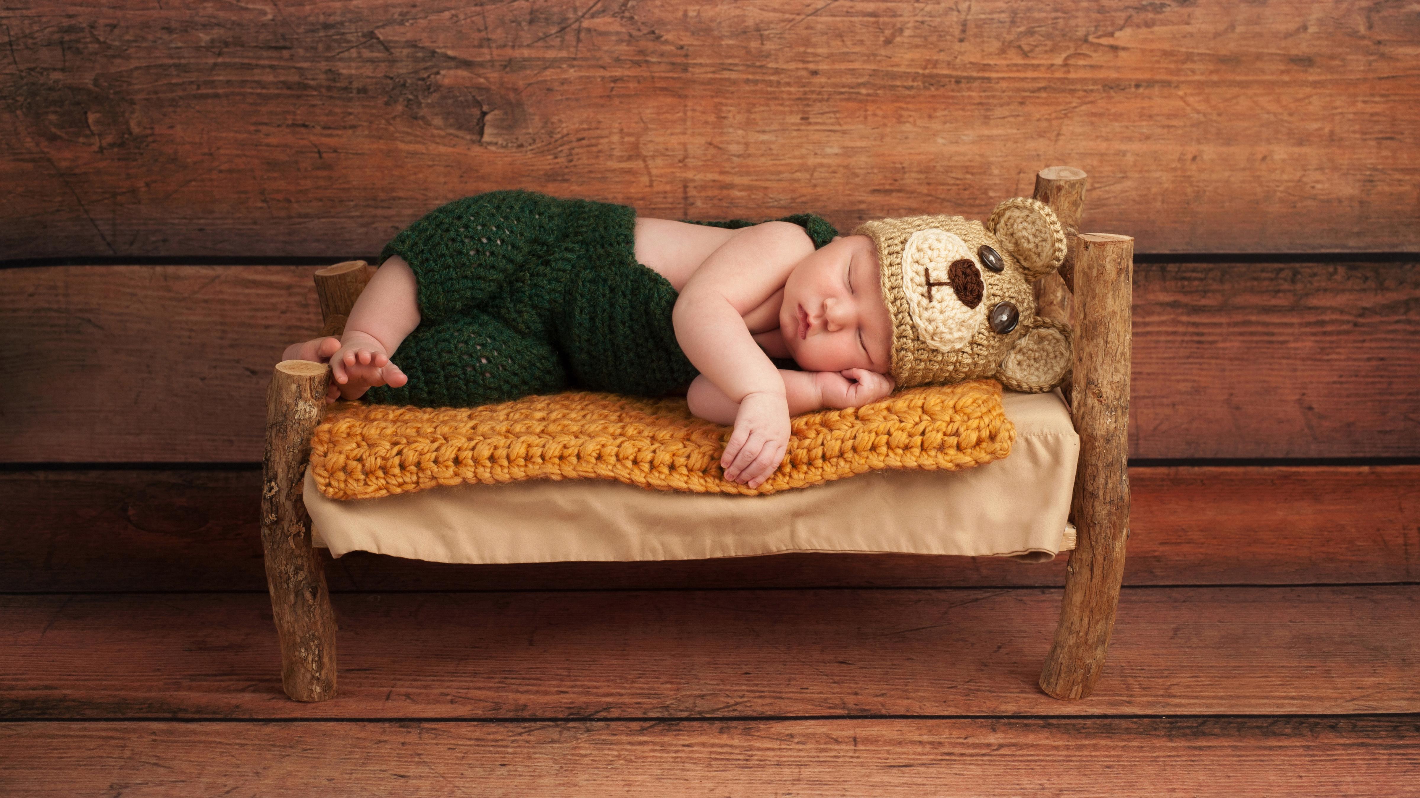 Картинки спящие дети в кроватке