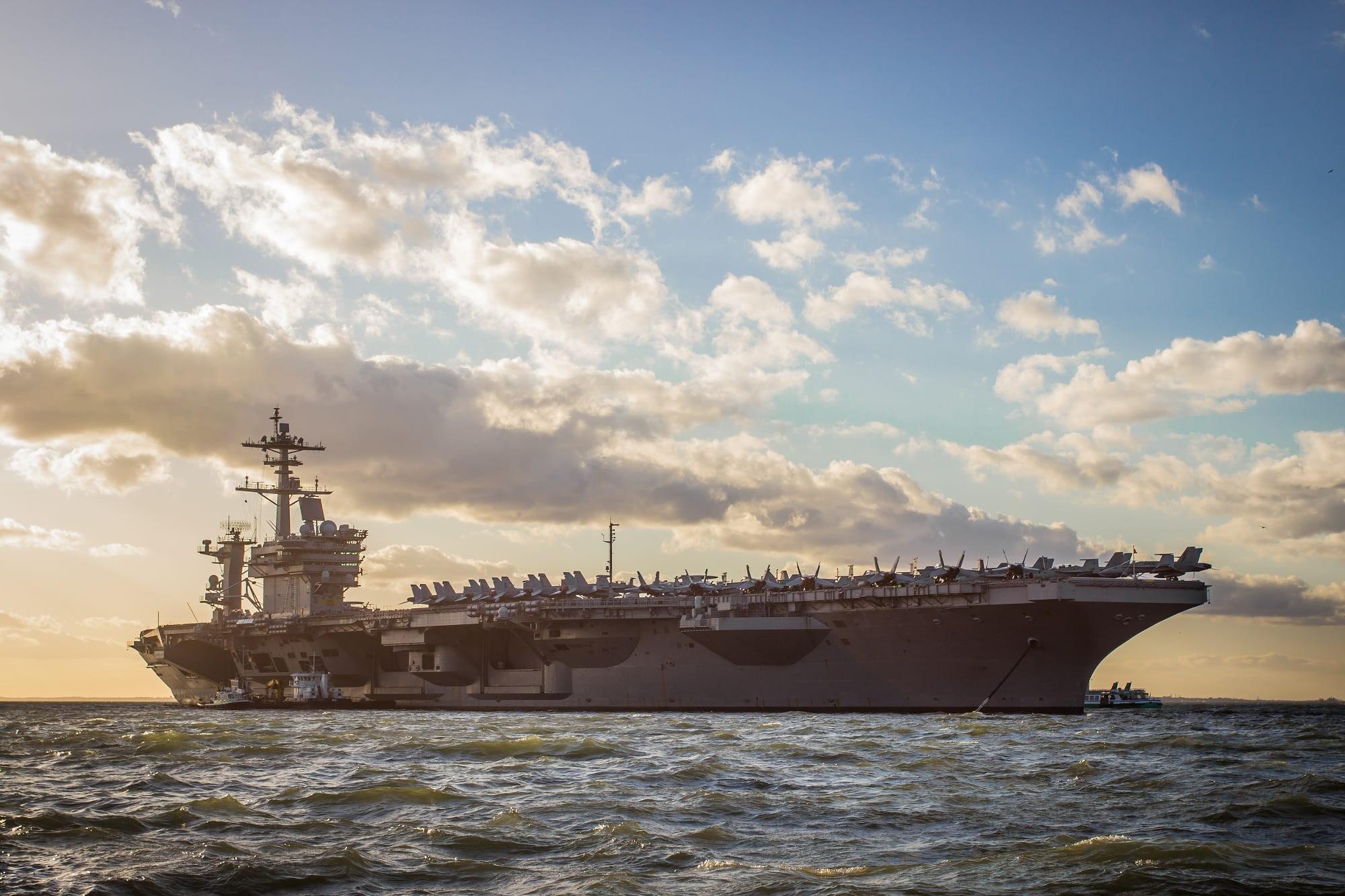обои для рабочего стола корабли военные скачать