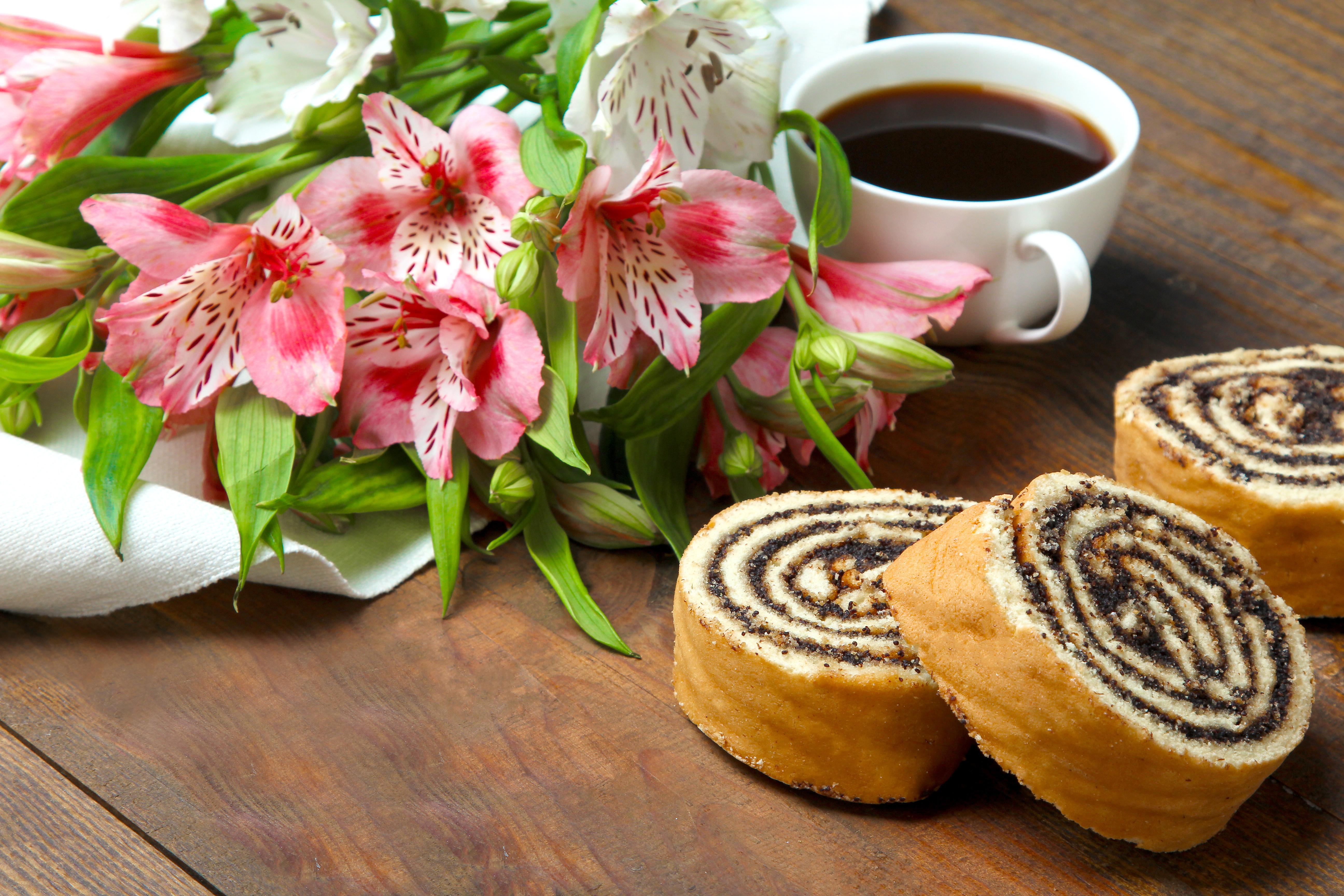 комплектом картинки с добрым утром торт и кофе цветы накачать