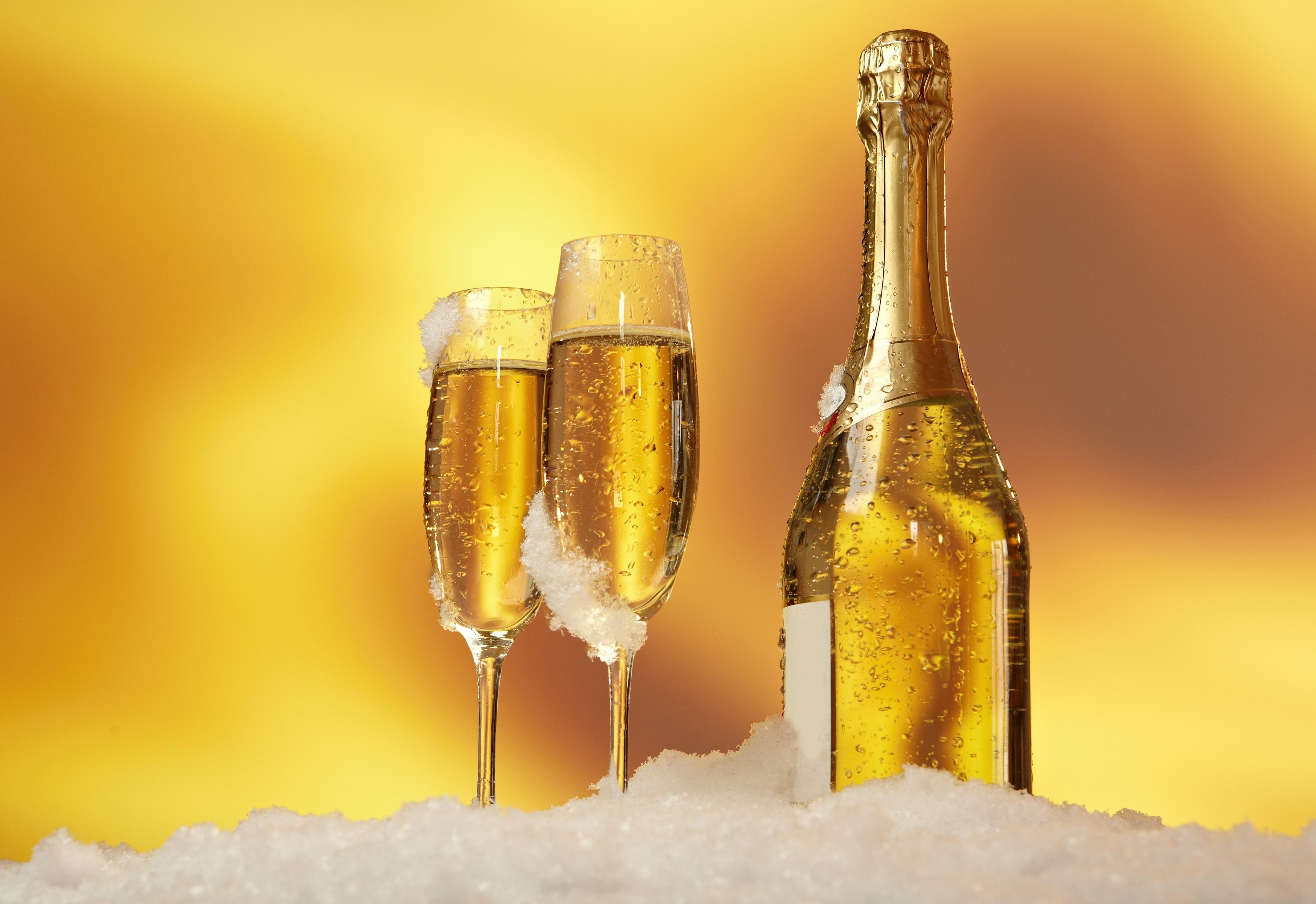 шампанское в снегу картинки это
