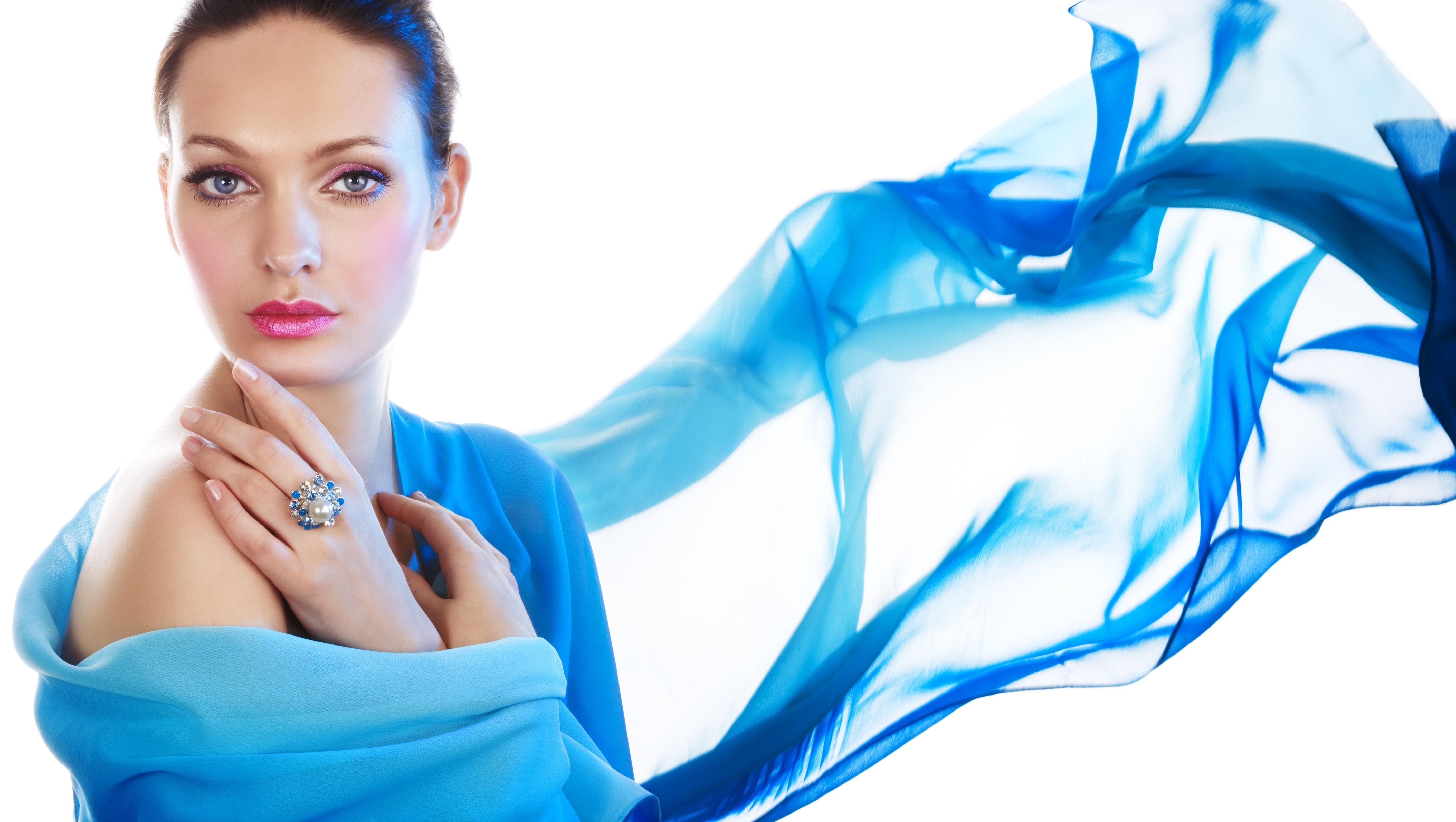 Голубые картинки девушка