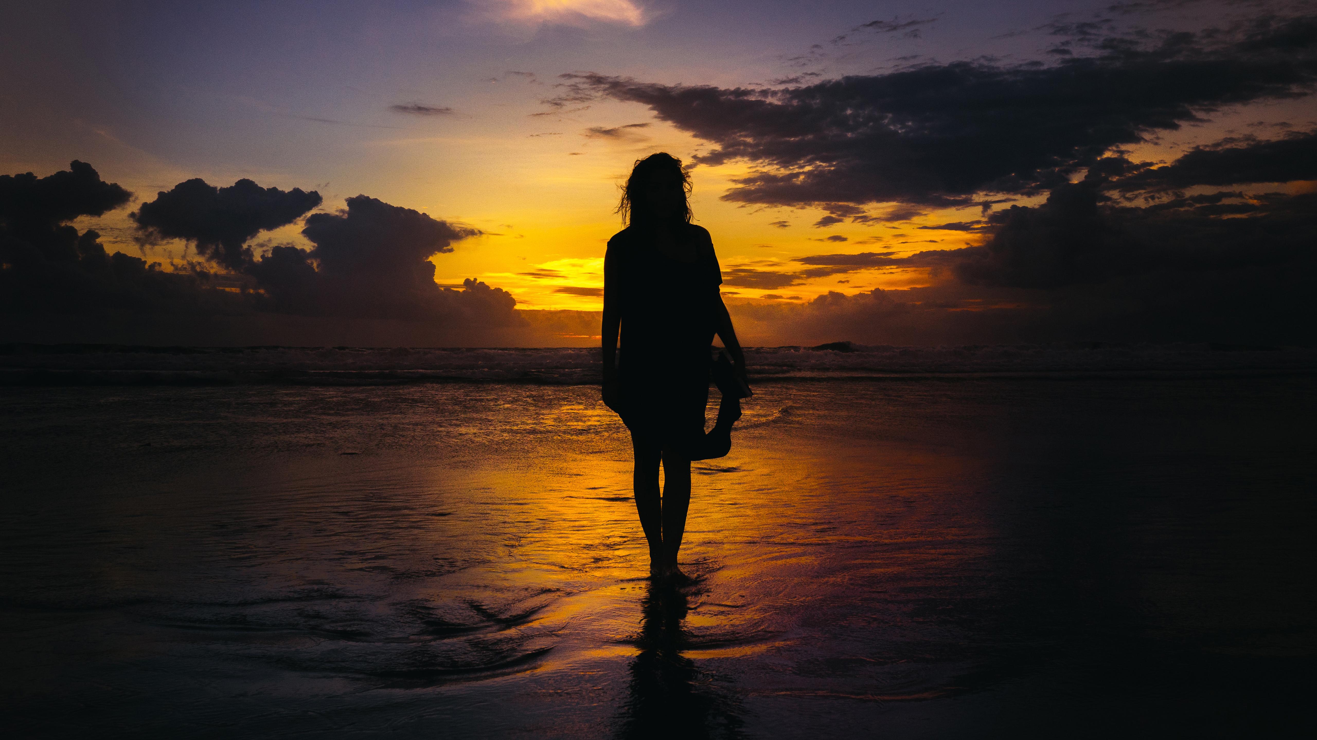 Пожеланием здоровья, картинки девушек на море со спины на закате