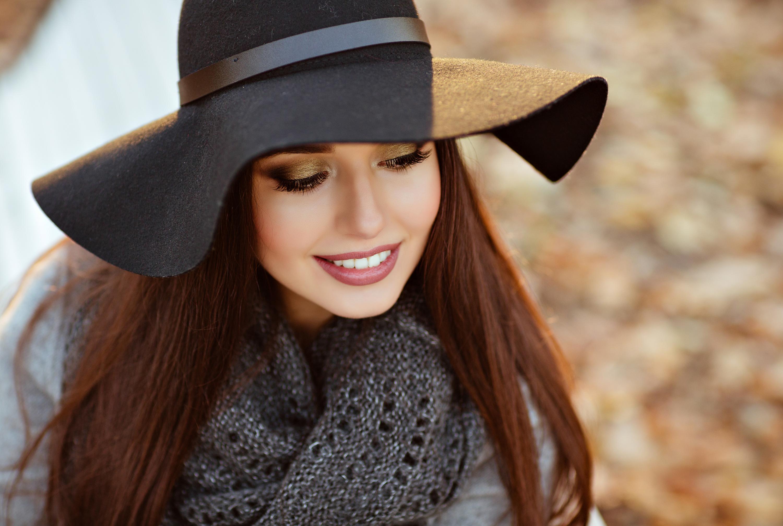 Богородице, картинки девушек в шляпе с широкими полями