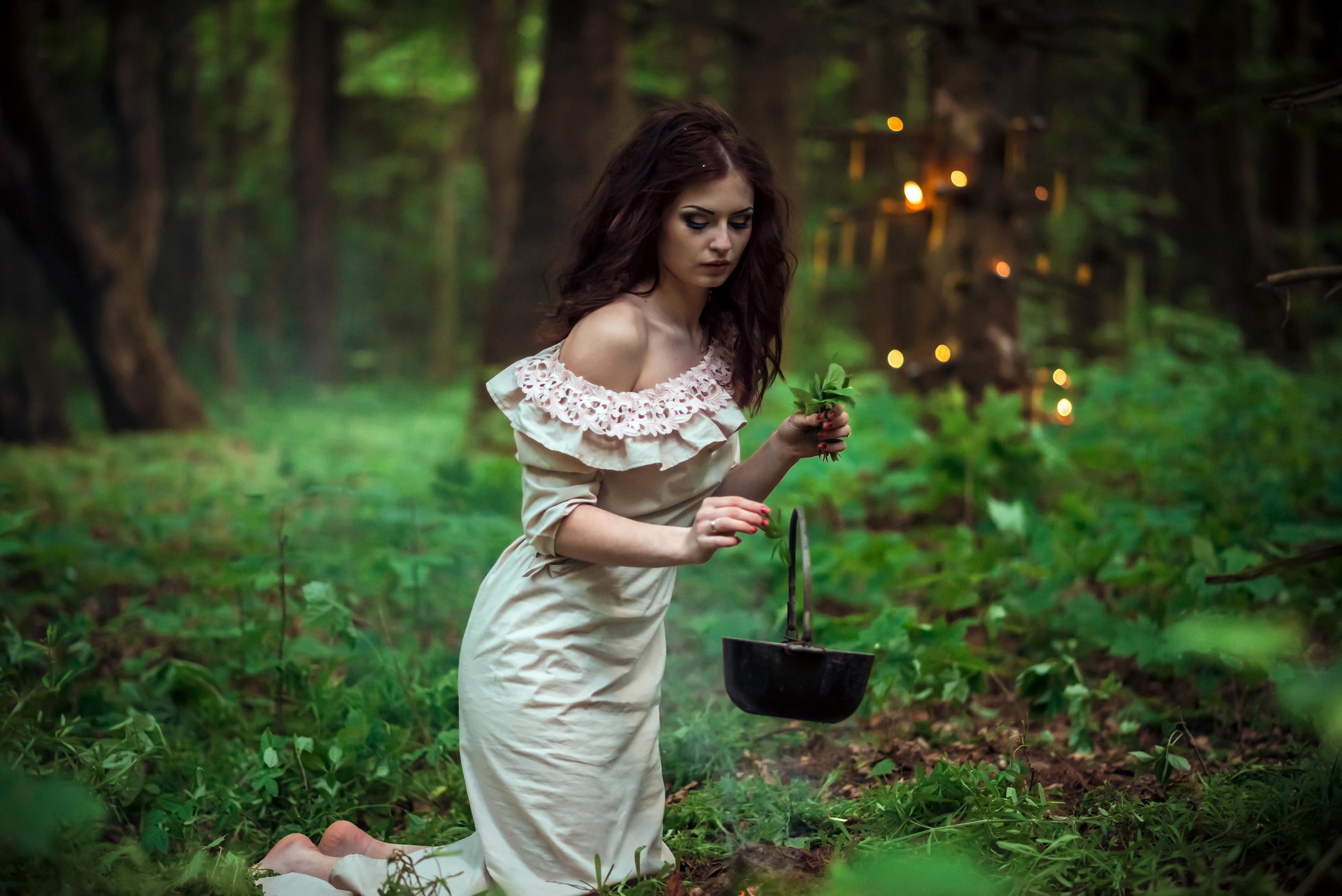 википедии фотосессия ведьма в лесу фото известность, девушка