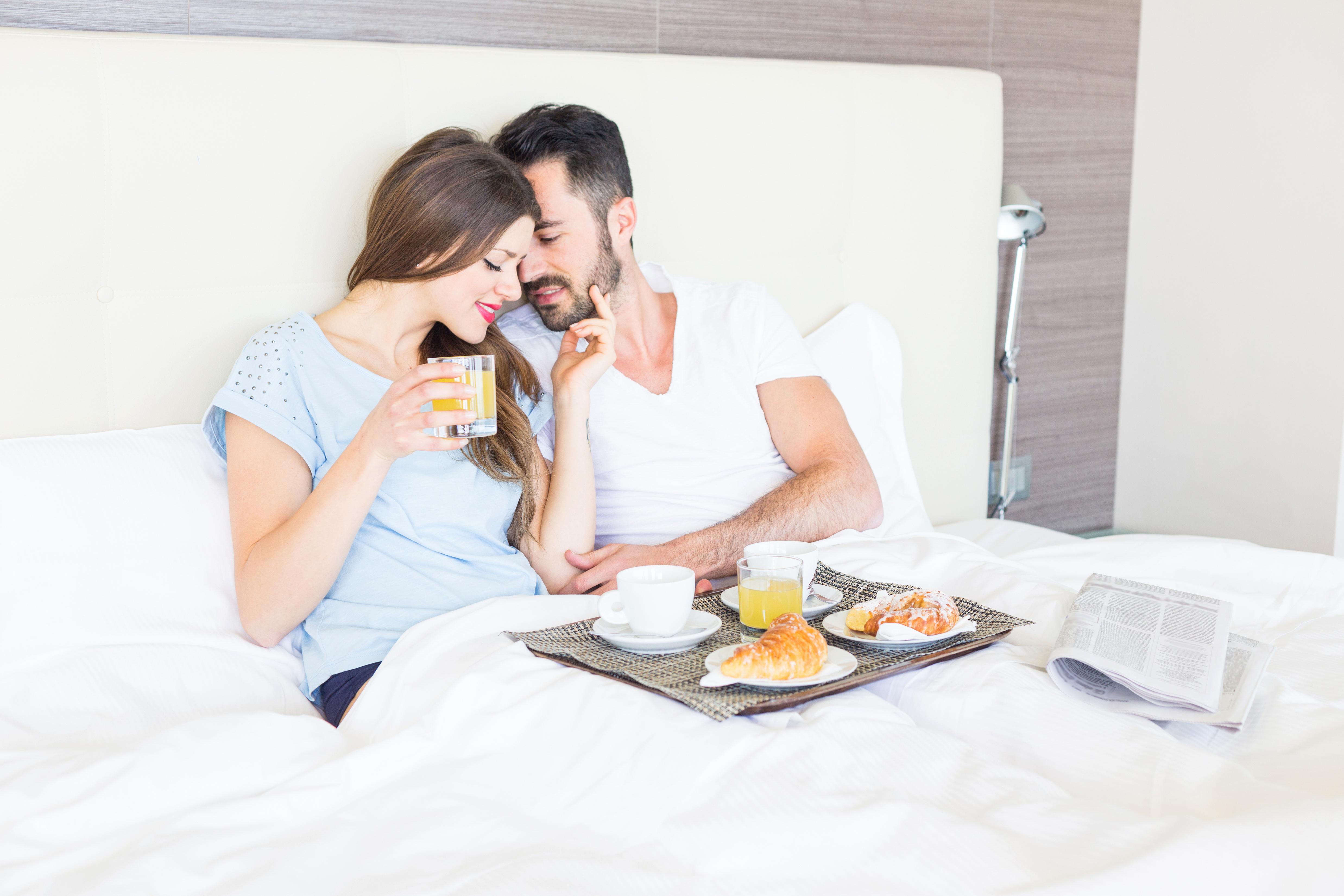 Счастливые пары утром картинки