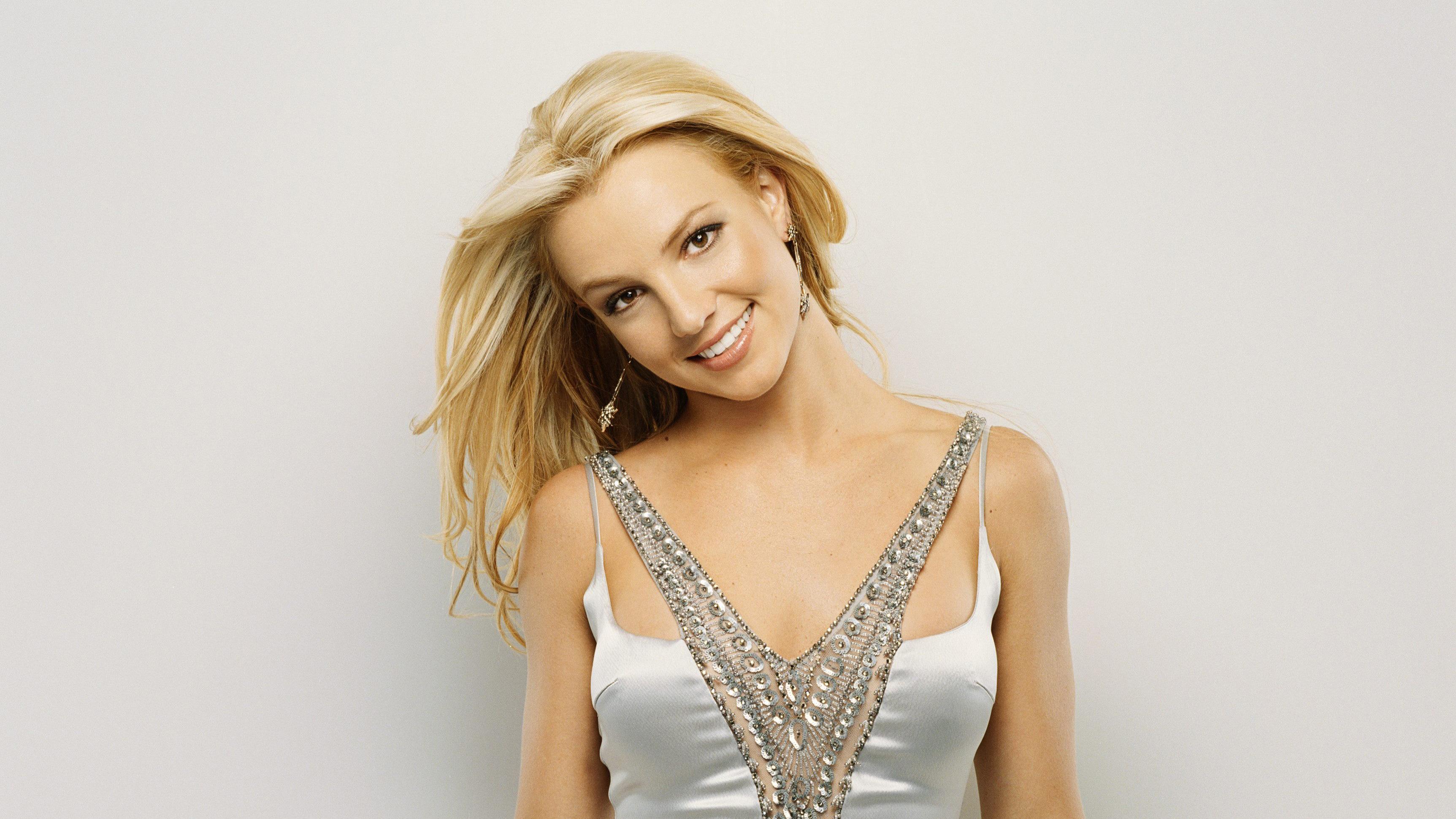 Улыбающаяся девушка, популярная певица Бритни Спирс - обои ... бритни спирс скачать