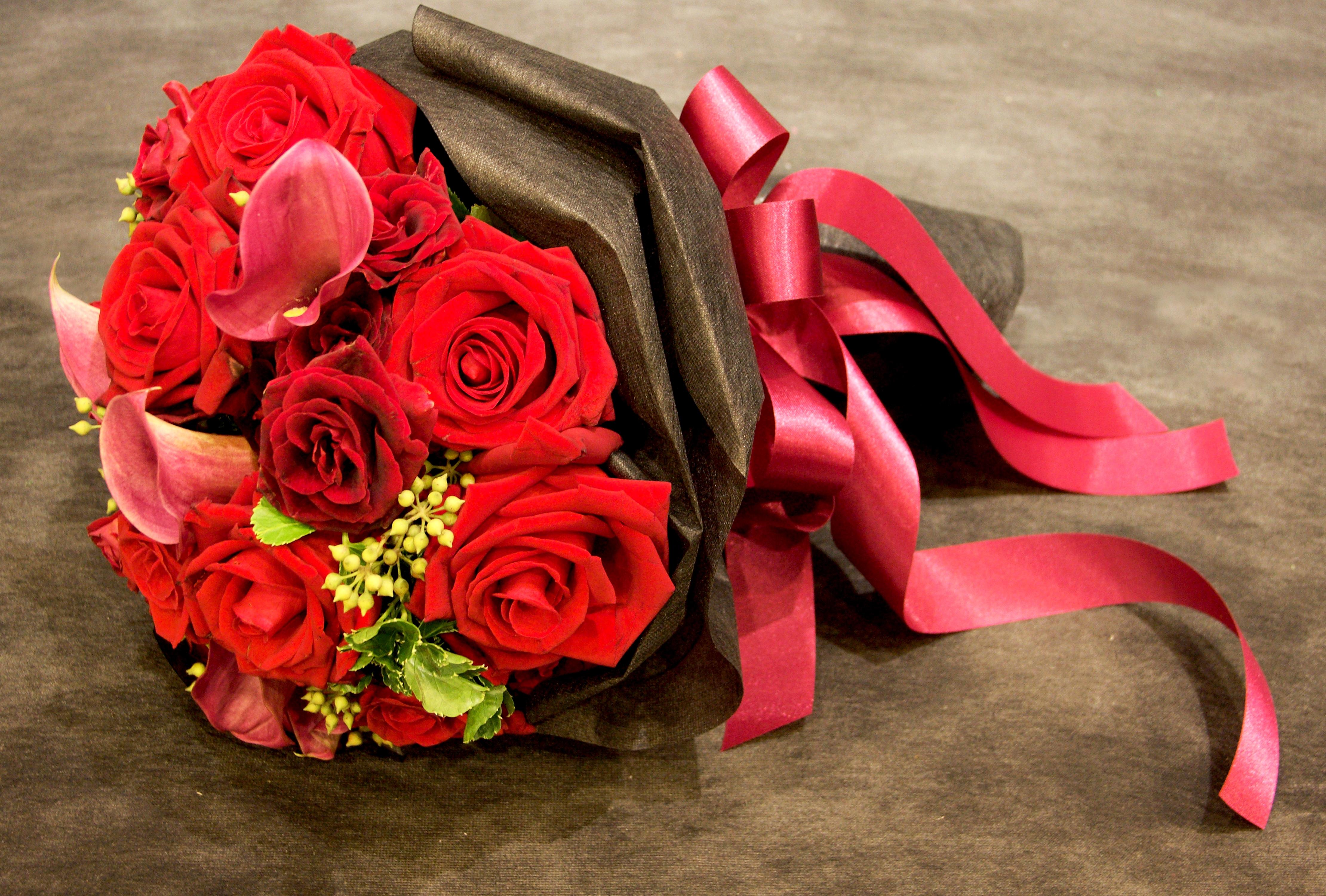коже под красивые картинки с букетами из красных цветов борьба добра зла