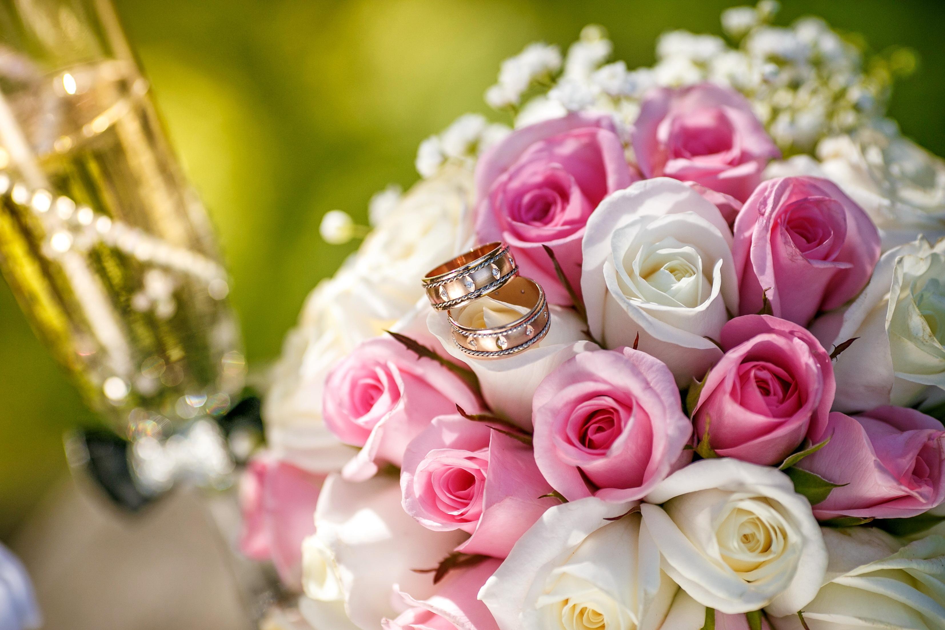Цветы и открытки с свадьбой, республика