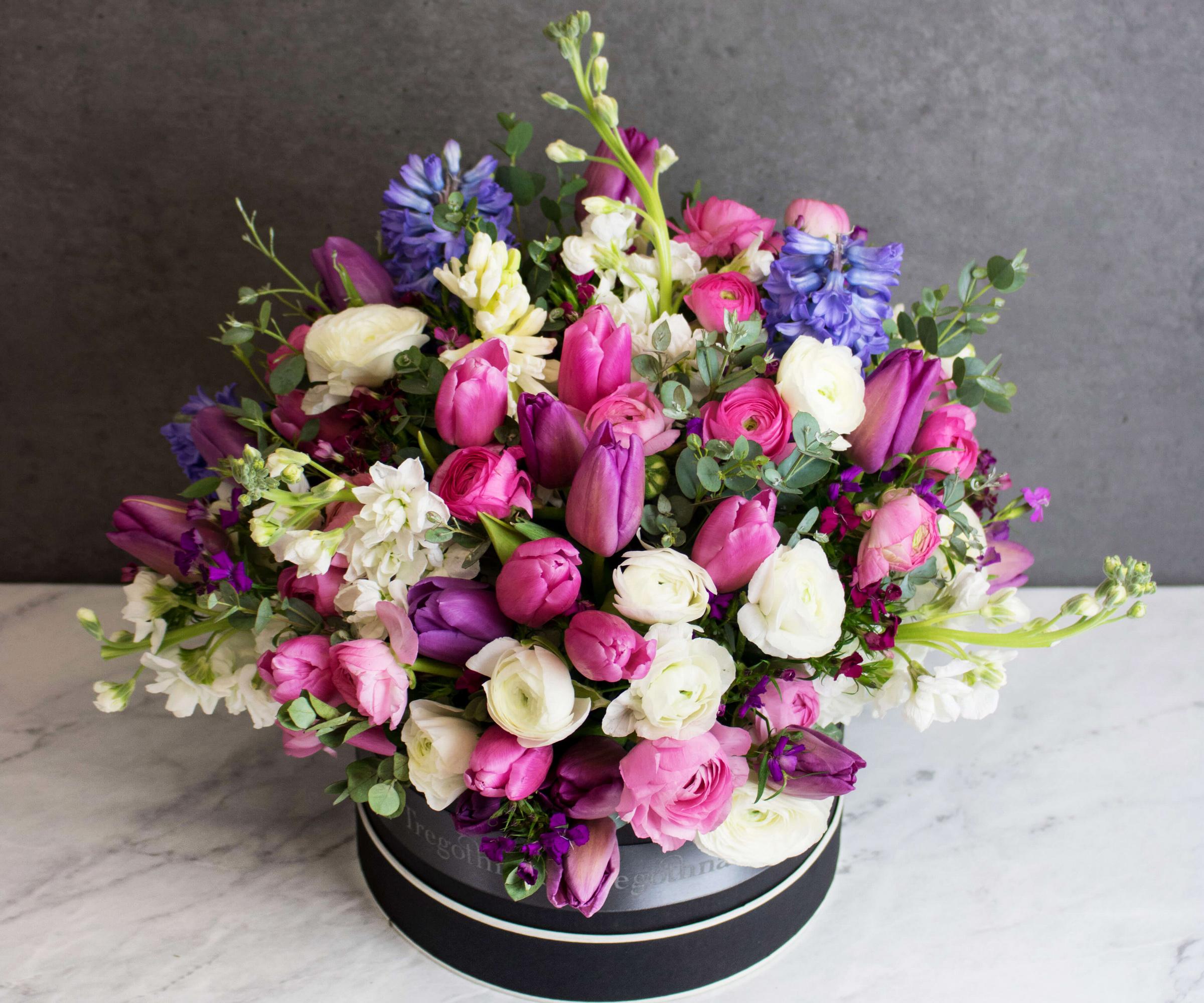 автомобиля цветы картинки букеты роз и тюльпанов прекрасно подходит