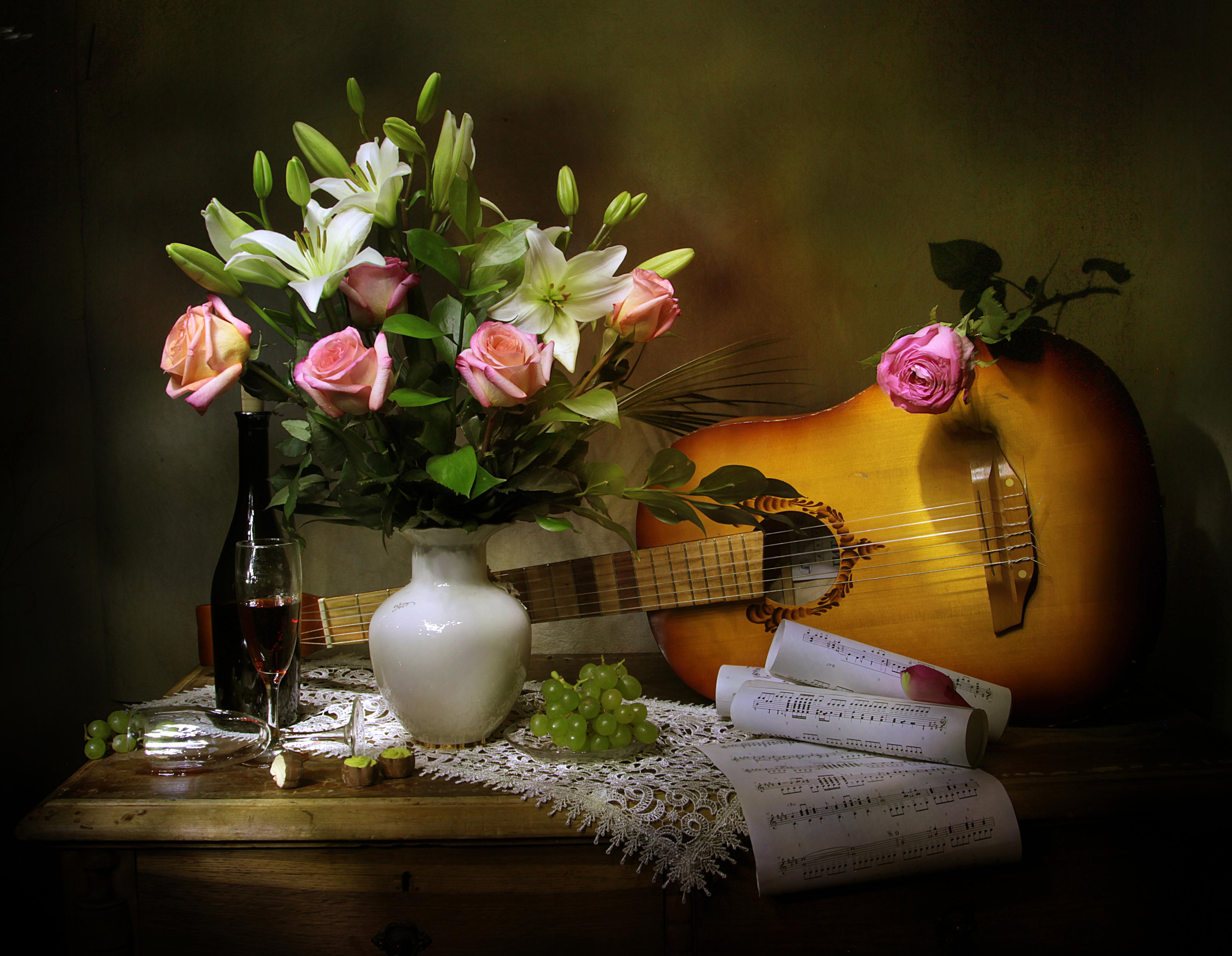 Открытка гитара и цветы, днем рождения