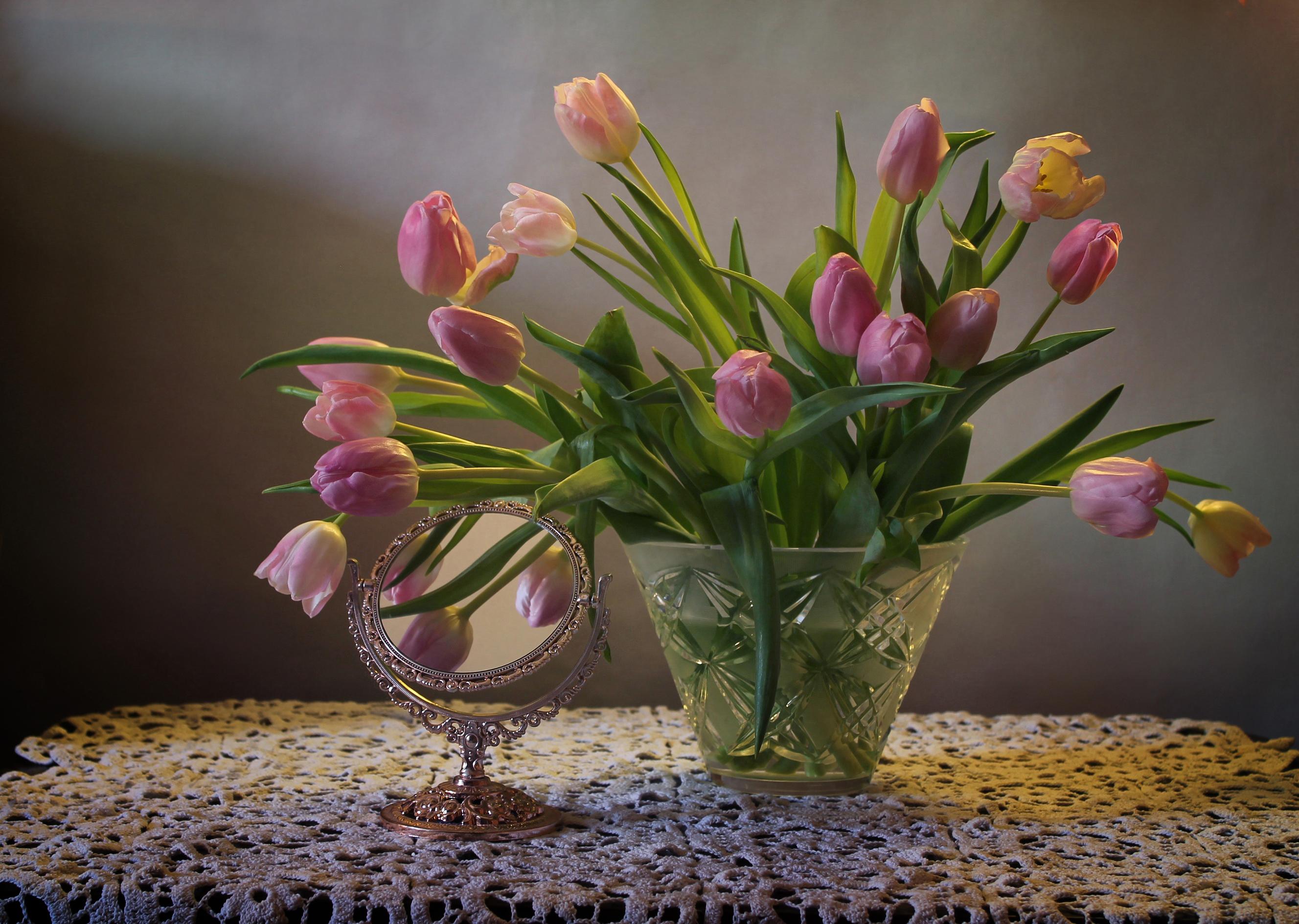 изменения вошли картинки тюльпаны красивые букеты в вазе пятнистая