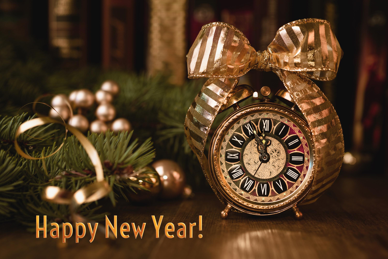 Коне, картинки новый год с часами