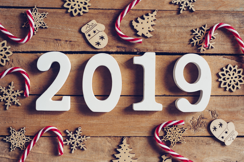 Валентинка, зимняя картинка с надписью с новым годом 2019