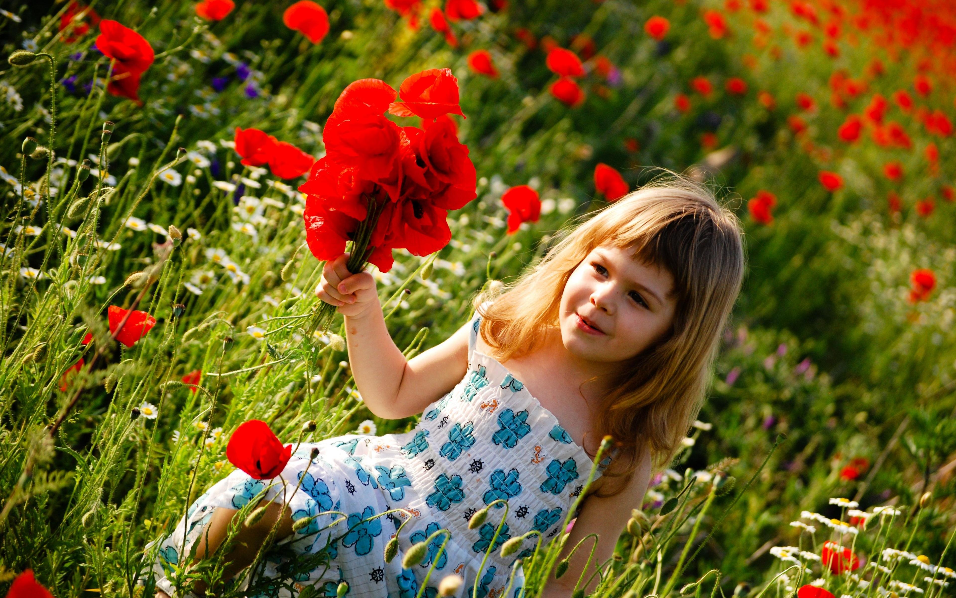 Картинки девушки прикольные с цветами