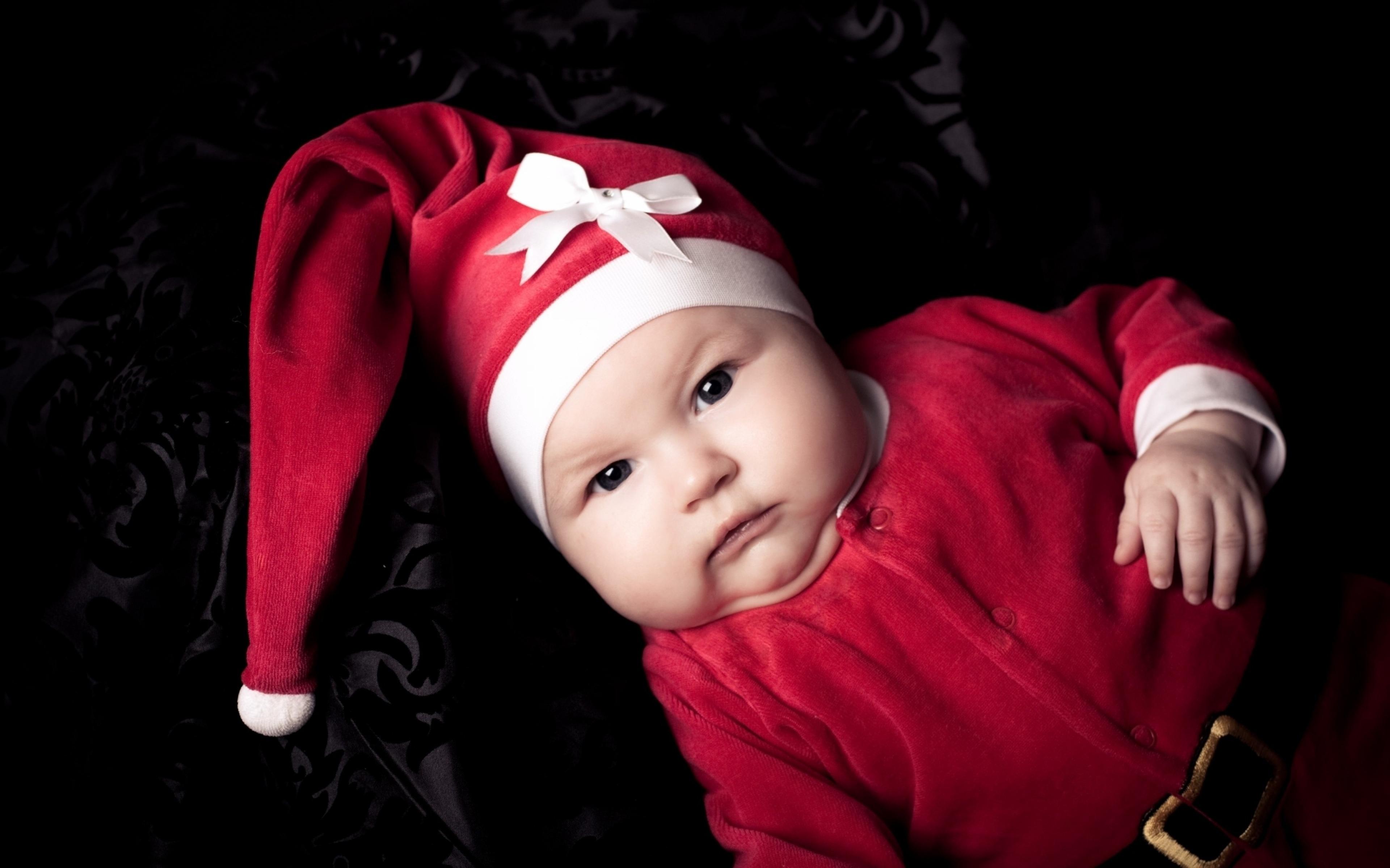 Дети в новогодних костюмах открытки