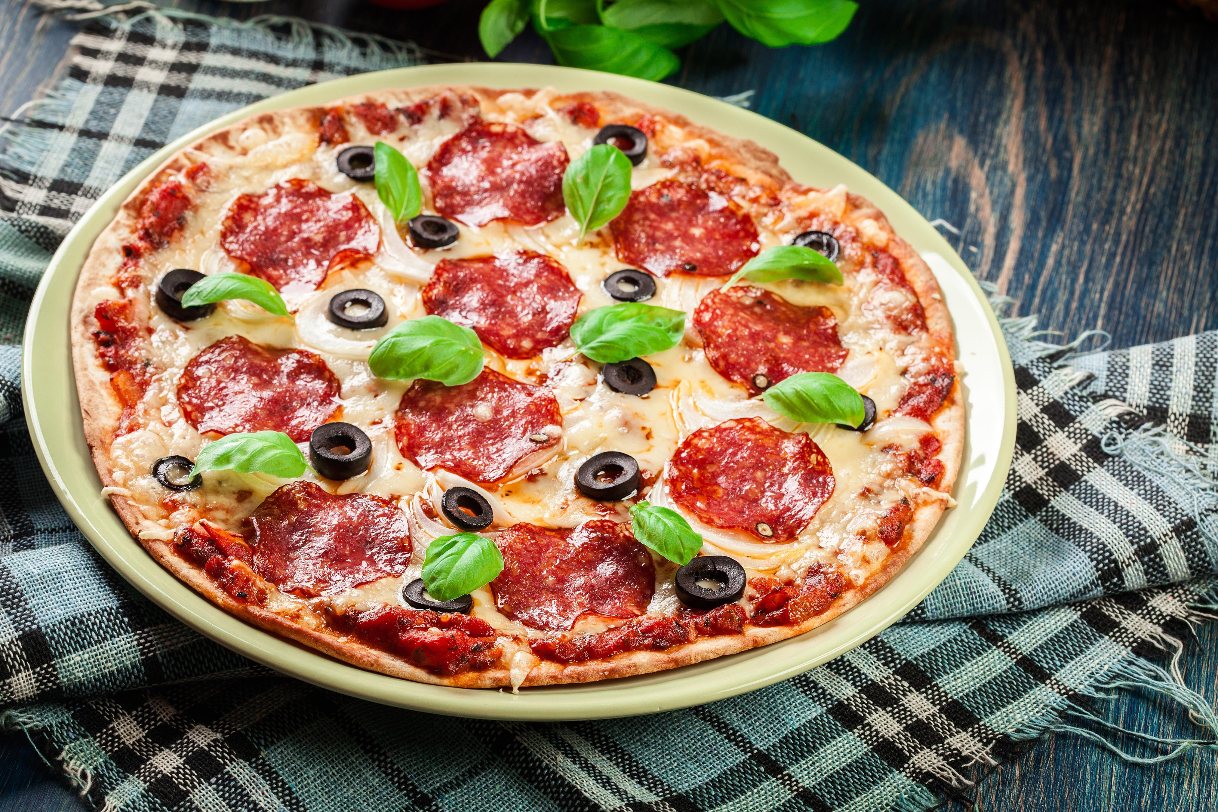 только картинки пиццы салями особенности укладки голливудские