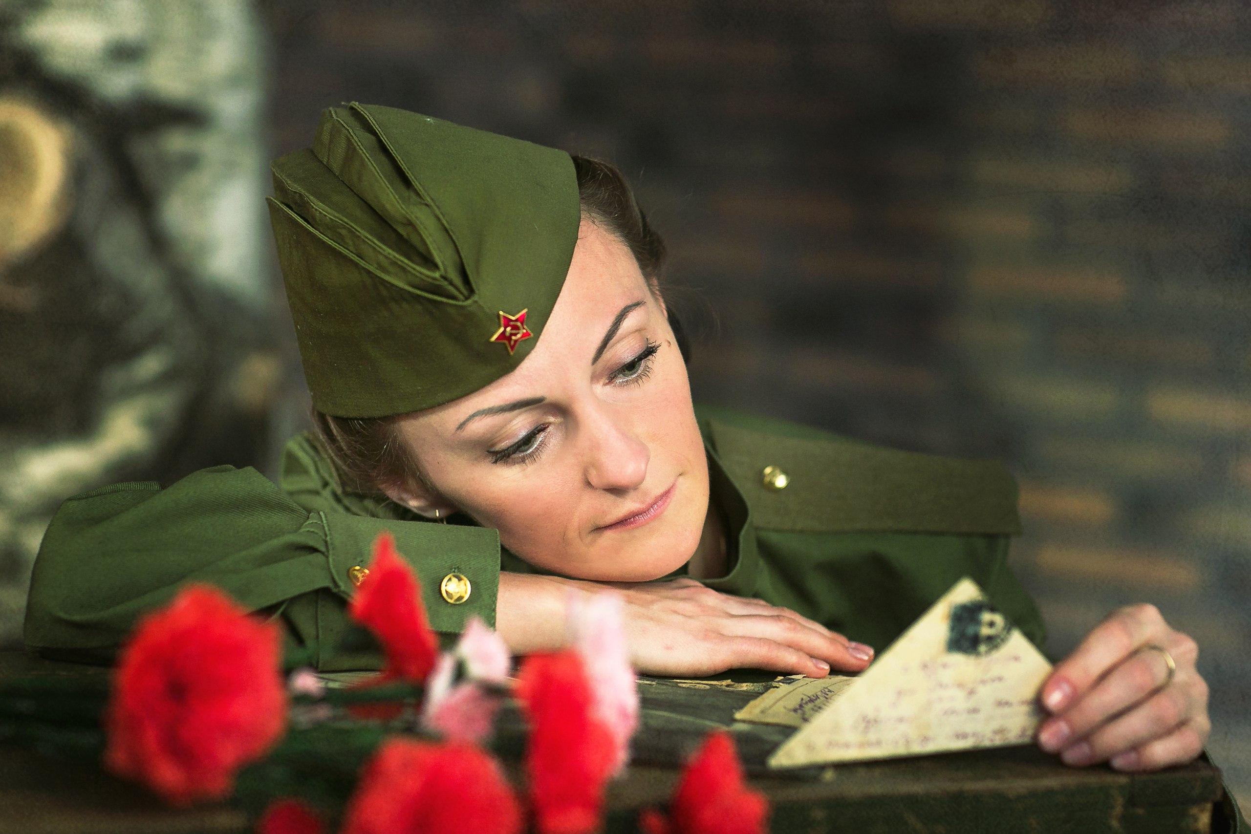 Картинки девушек военная тематика
