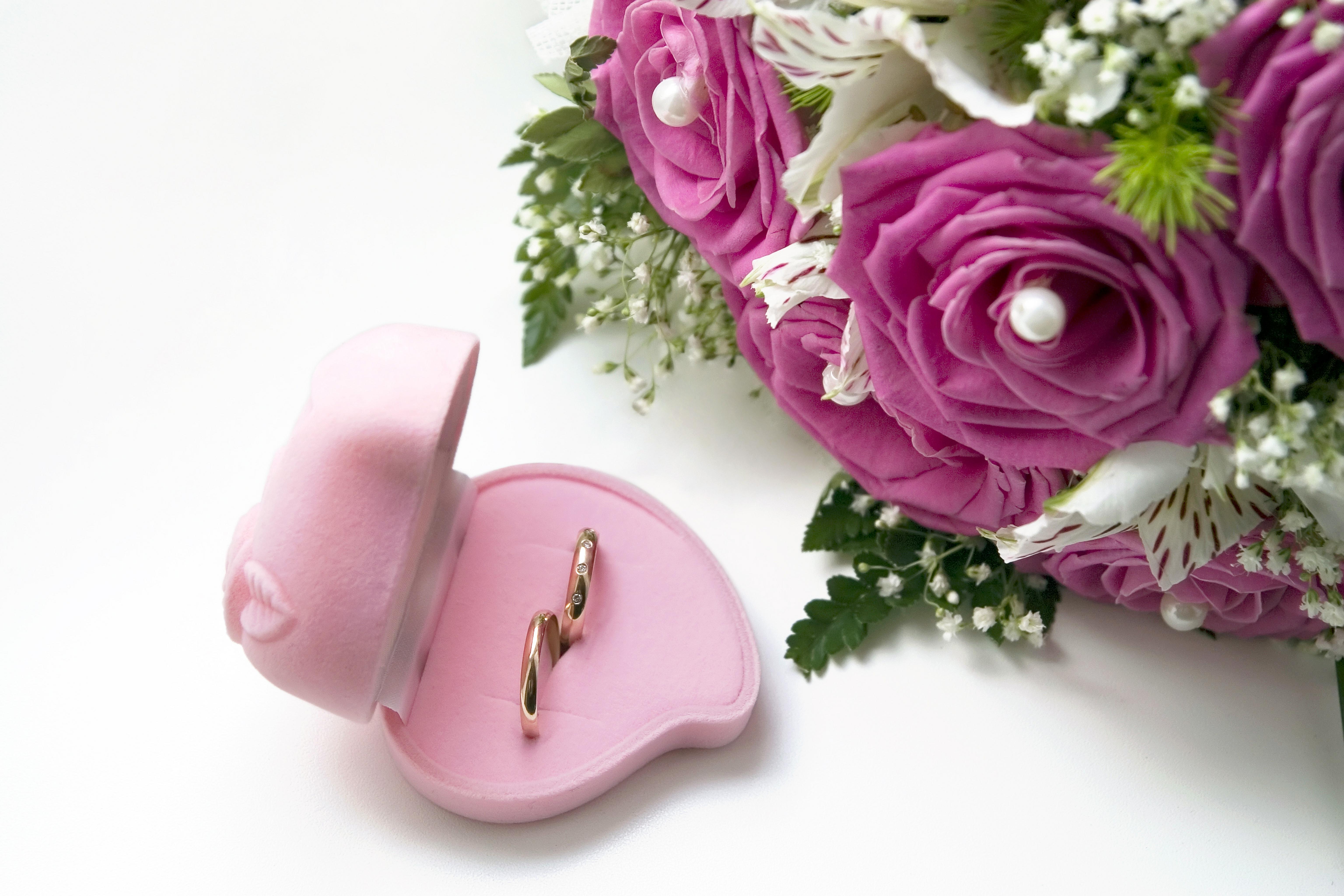 Фото букет цветов и кольцо, каталог магазины краснодар