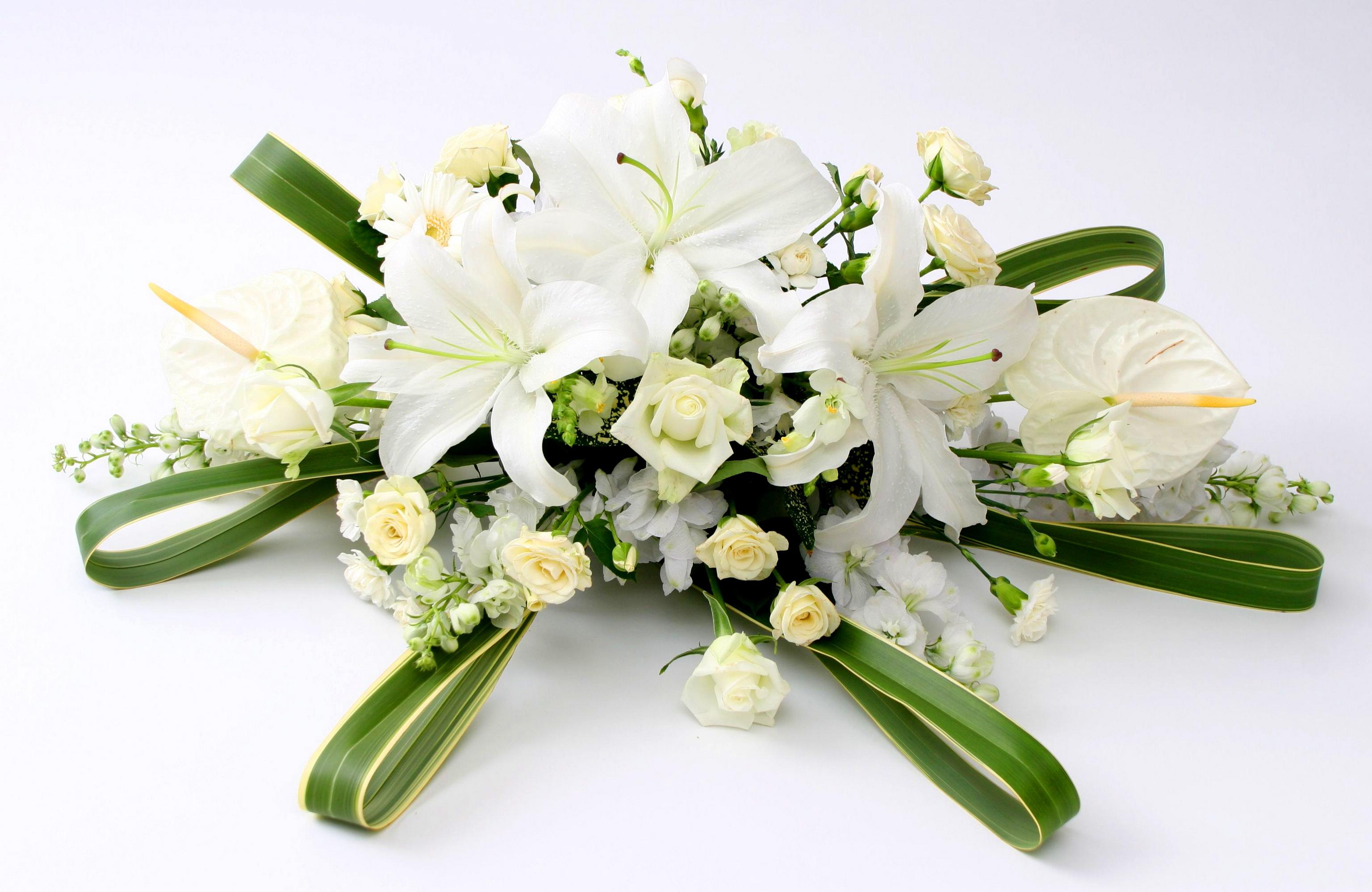Открытки букет из белых лилий