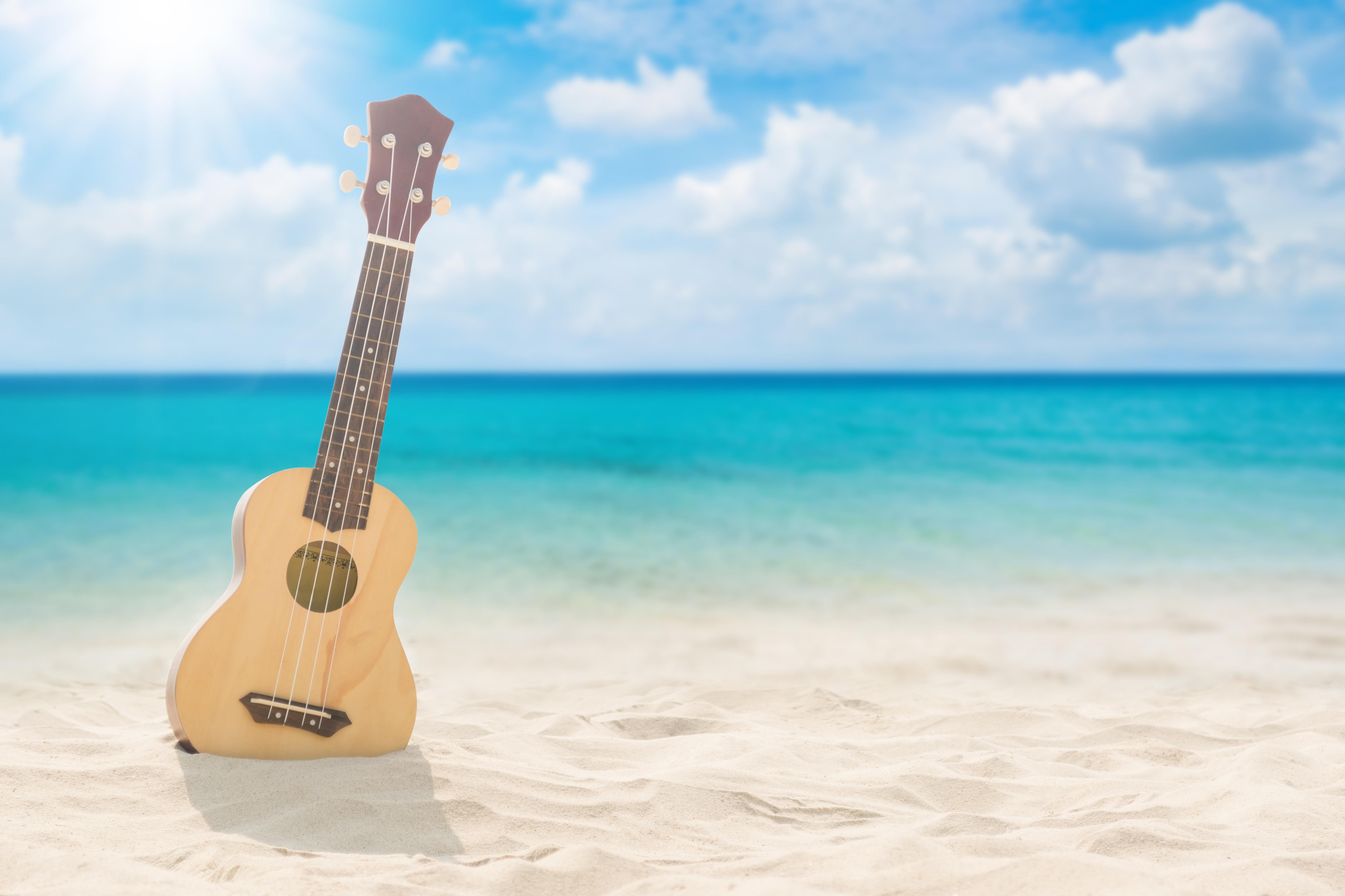Картинки гитара и море