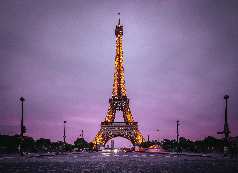 Beautiful Eiffel Tower In Paris On A Background Of Purple Sky Desktop Wallpapers 1600x1200