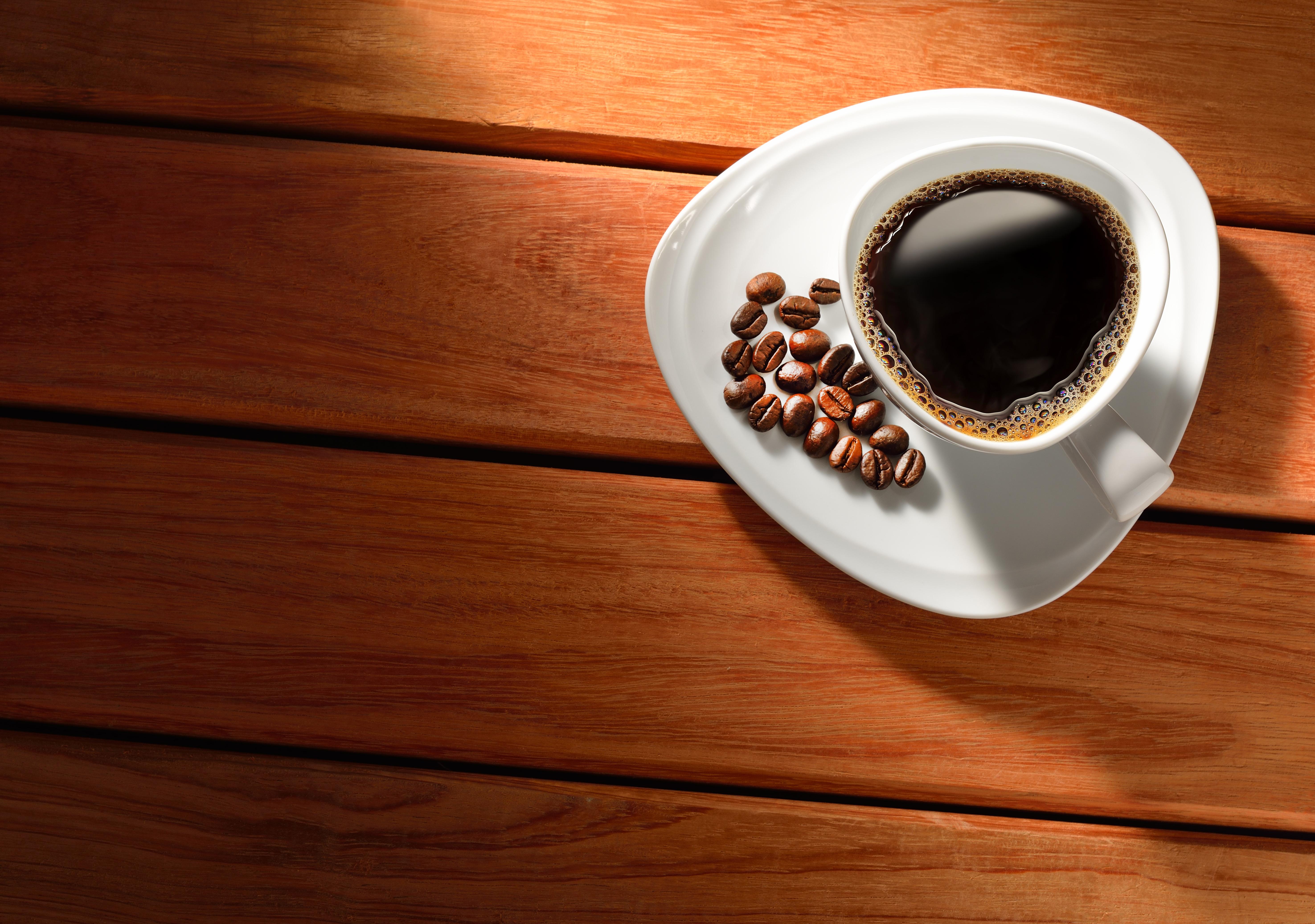 картинки про кофе на столе процессе
