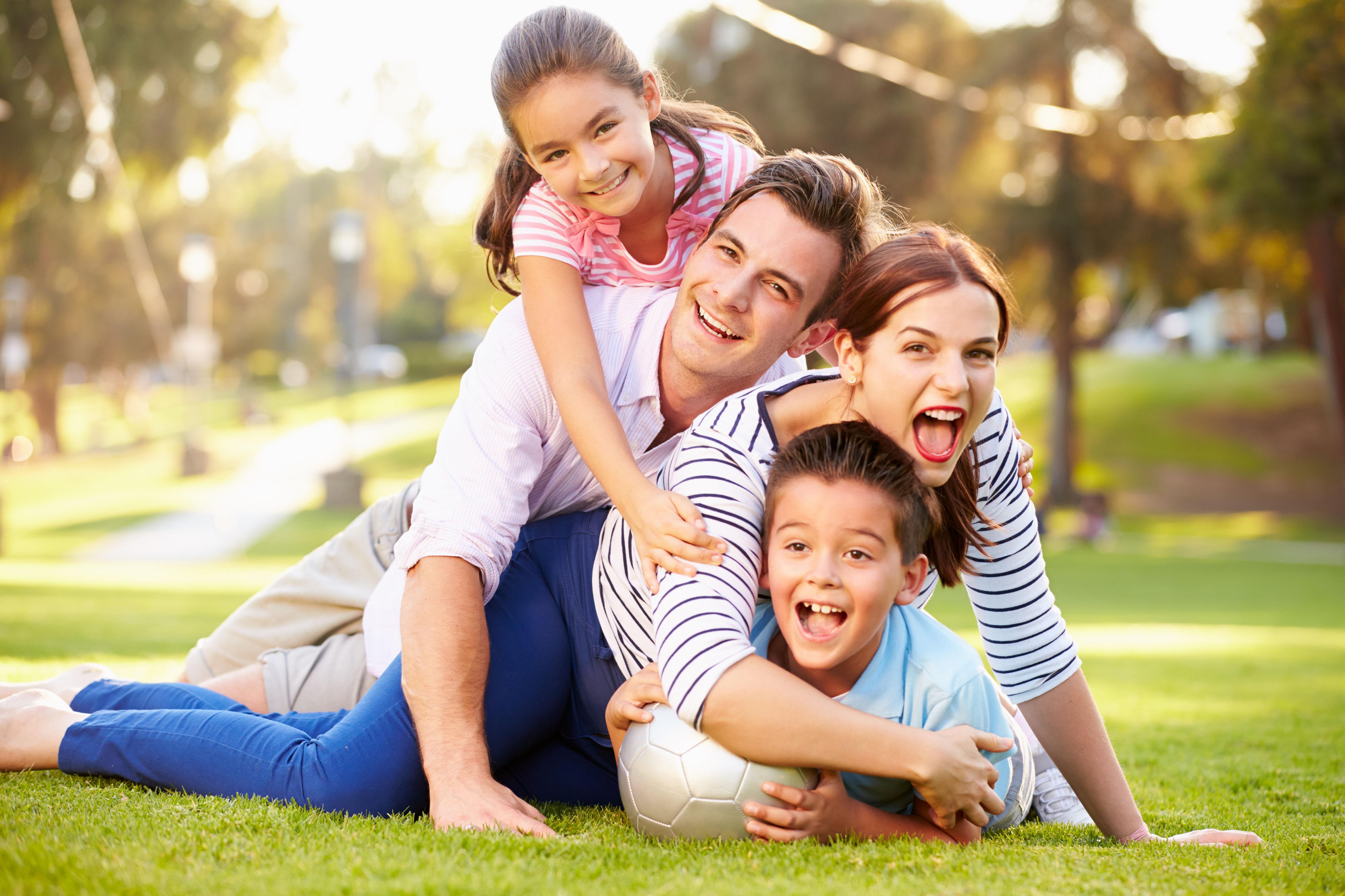 картинки счастливой семьи с детьми мастикой стиле зеленки